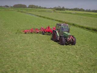 Dronebeelden gras schudden