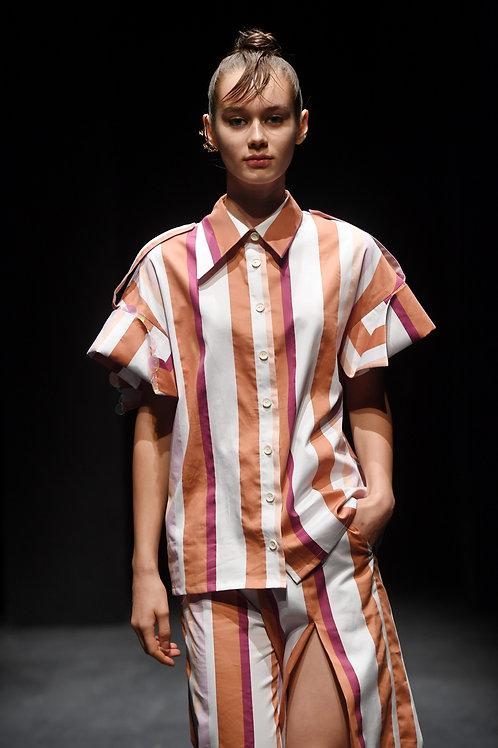 Yakası İşleme Detaylı Gömlek