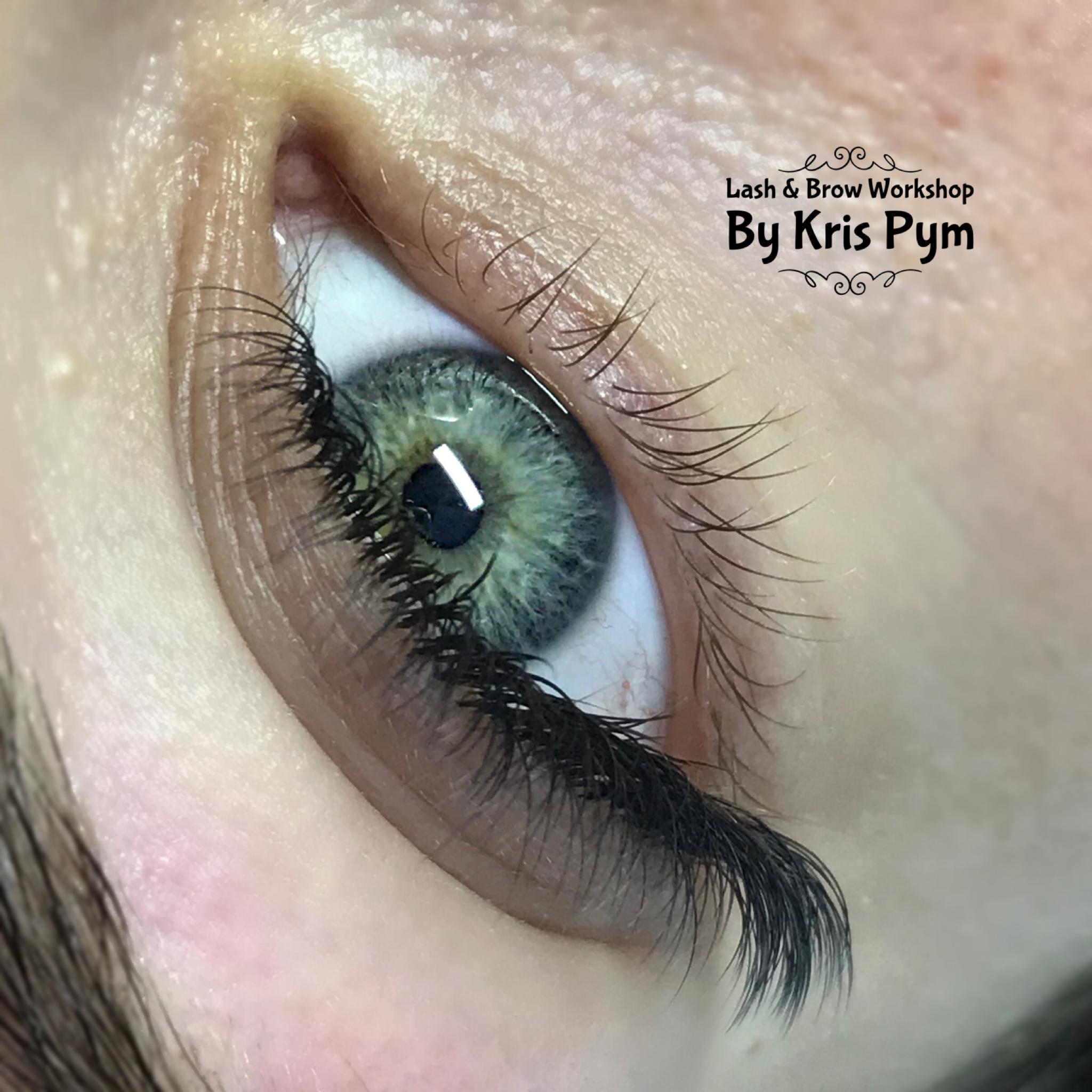 Hybrid Eyelash Extensions - Torbay