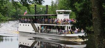 Riveboat Hiawatha