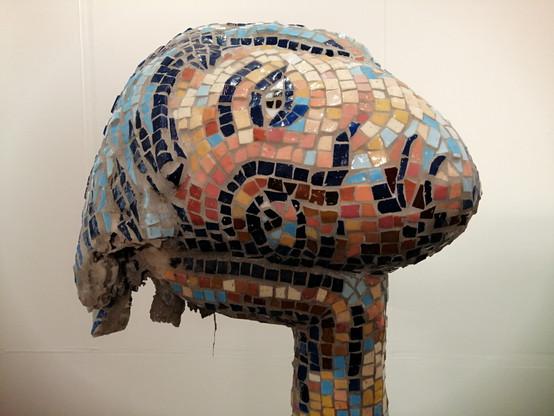 Head - detail