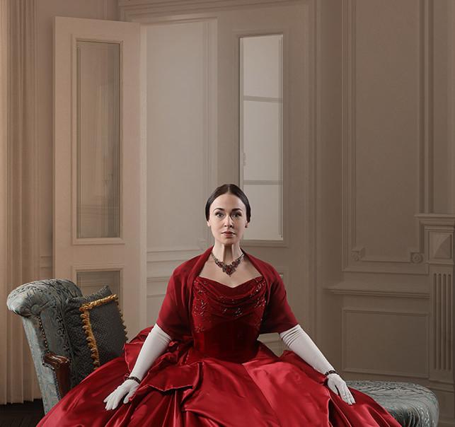 Photo of Laura C. Harris by Tony Powell.