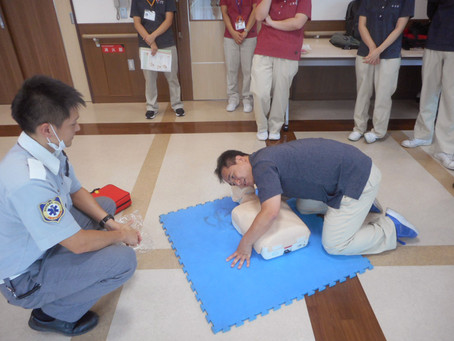 緊急救命士の訓練