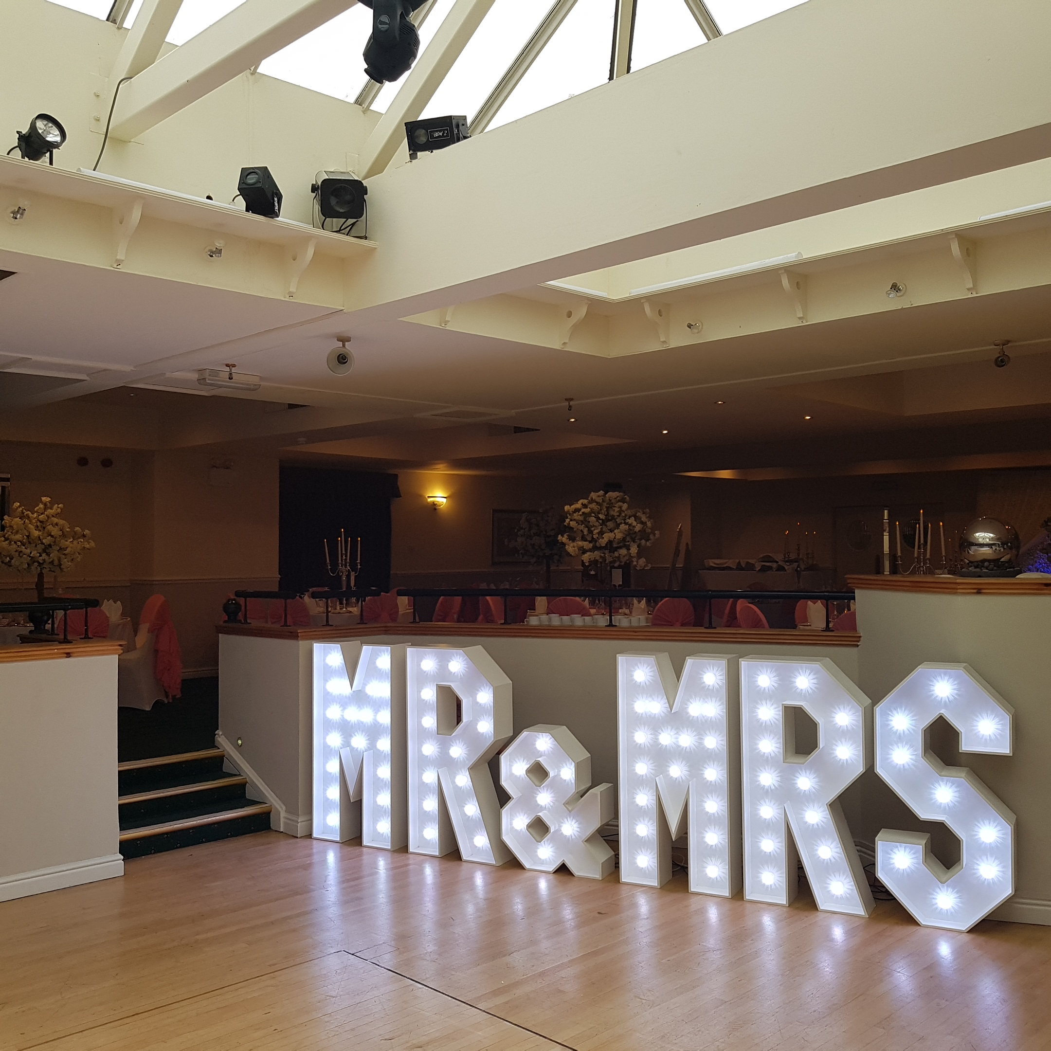 MR & MRS Hire