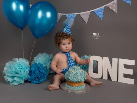 Jackson, cake smash photoshoot