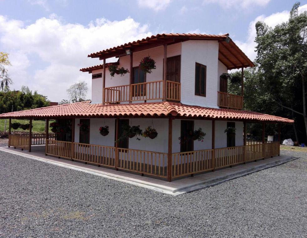 Casa campestre prefabricada dos niveles 010