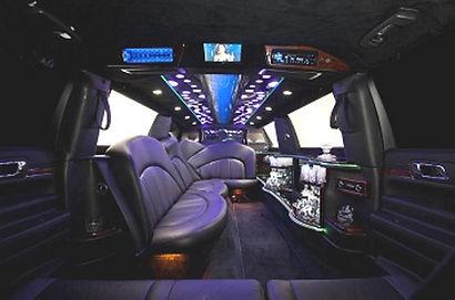 Lincoln-MKT-Stretch-Evolution-Interior-B