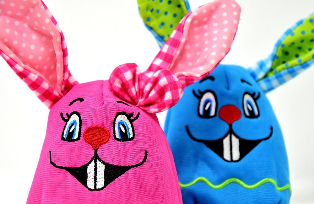Diese Osterhasen haben Spaß mit den lustigen Witzen unserer HEUSCHRECK-Fans!