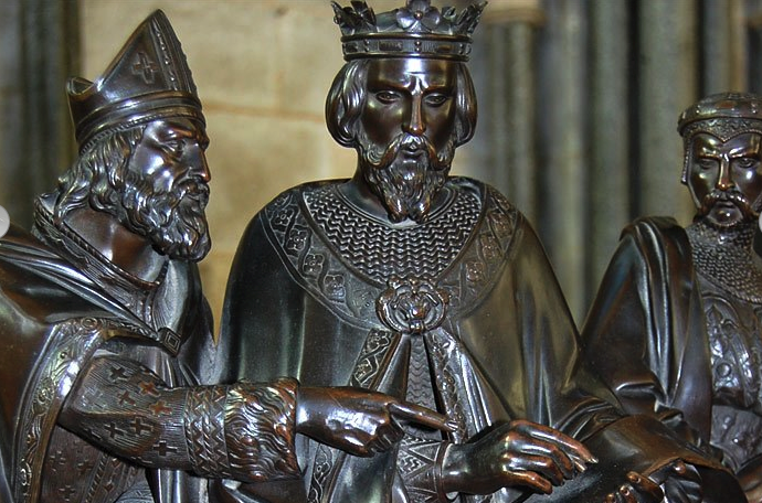 2014-09-05 23-30-40 BBC - In pictures: Salisbury's Magna Carta is 795 years old.