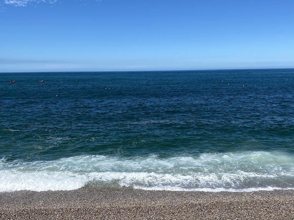 visiter normandie etretat falaise plage