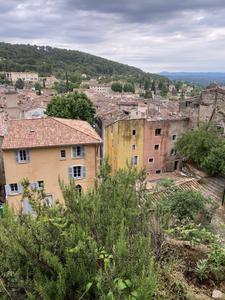 Visiter le village de Cotignac