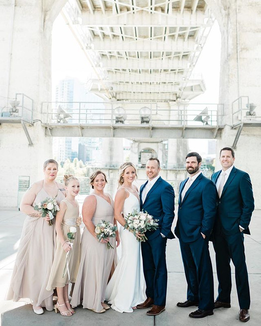 When your bridal party is this good look