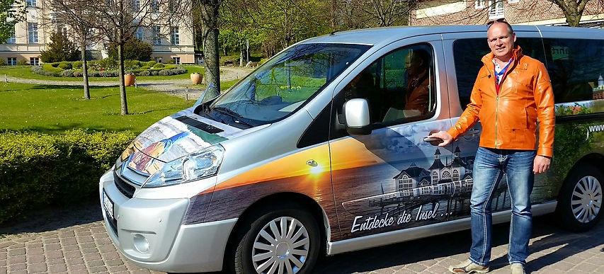 Rügen entdecken mit Reiseleiter Sven und seinem bunten Kleinbus