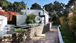 Amazing_Detached_House_CostadaCaparicaPortugal05_PL