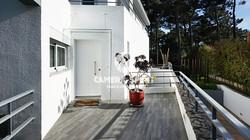 Amazing_Detached_House_CostadaCaparicaPortugal06_PL
