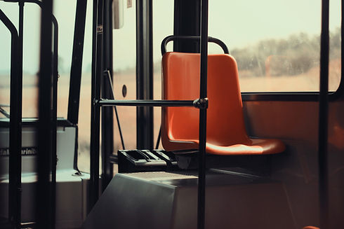 公共交通機関の席
