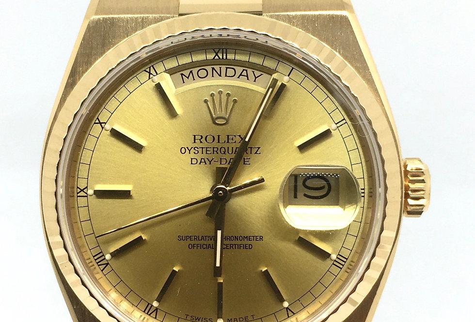 Rolex DayDate Oyster Quartz 18k Gold Gents Watch Ref. 19018