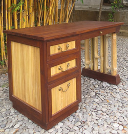 Bamboo Indah Desk