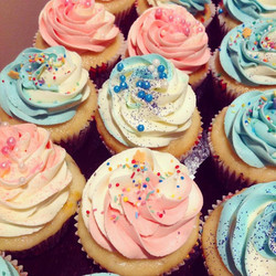 Boy and Girl Two Tone Cupcakes