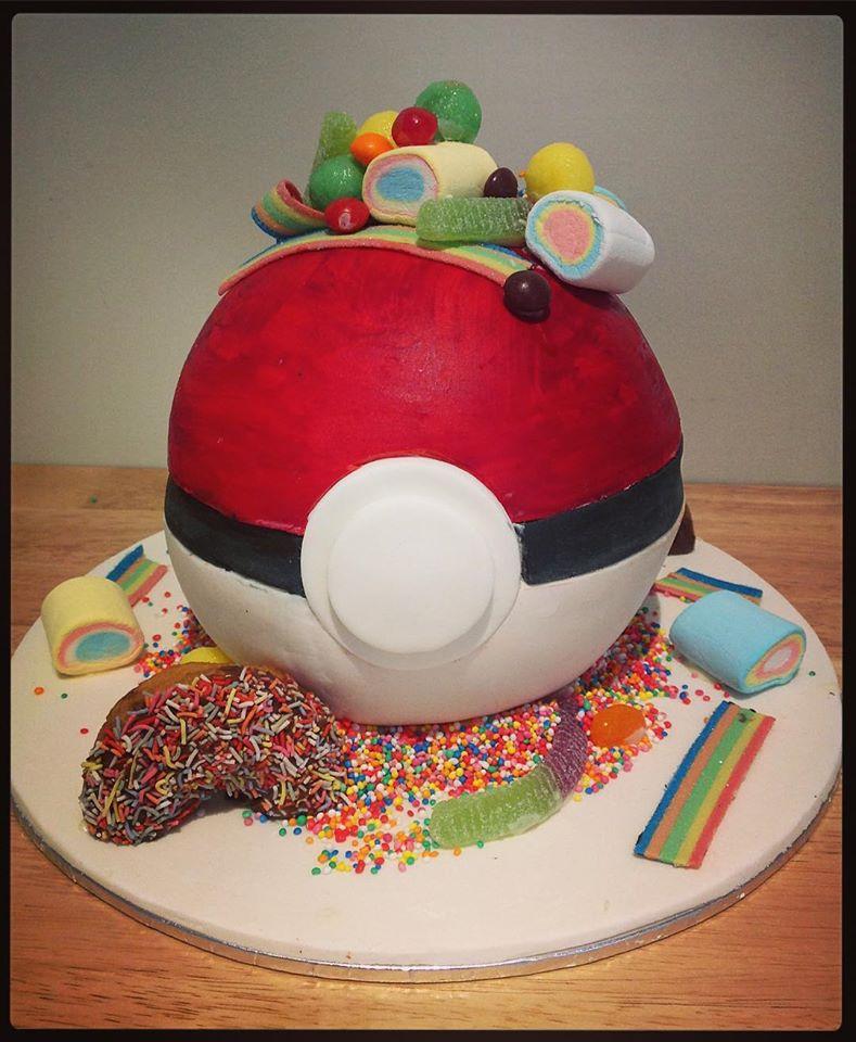 Poke'ball Cake