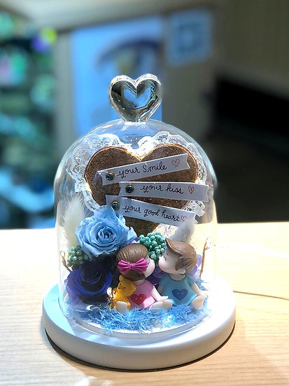 Hearts on Cork Preserved Flower Dome with LED