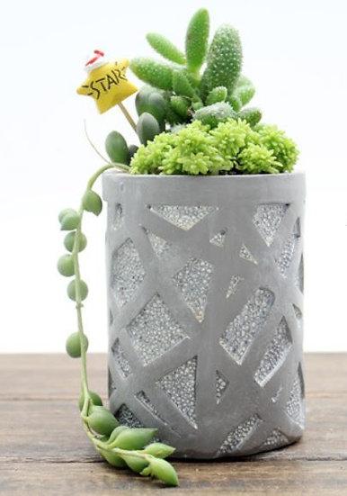 Line Design Column Pot