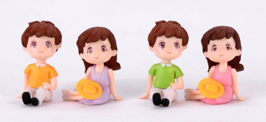 Picnic Couple Figurine