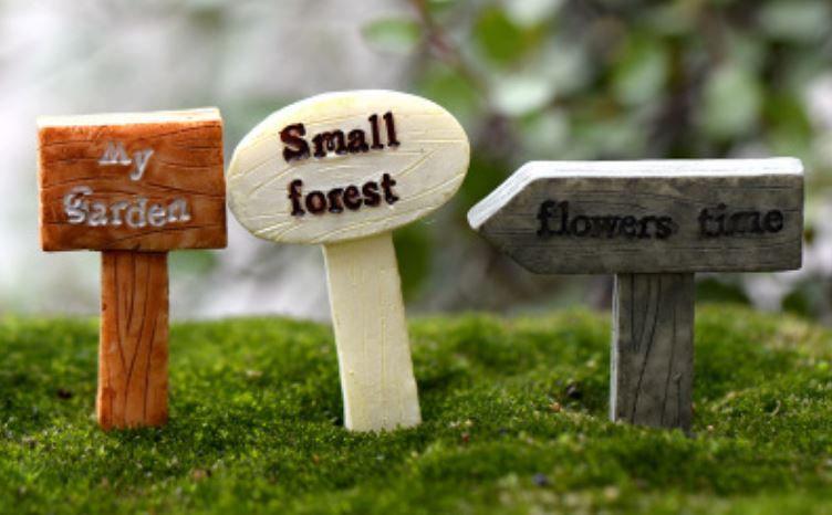 Garden Signage Figurine