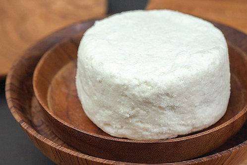 """""""Chevre"""" Goat's Cheese - Keju Kambing """"Chevre"""" (+/-500g)"""