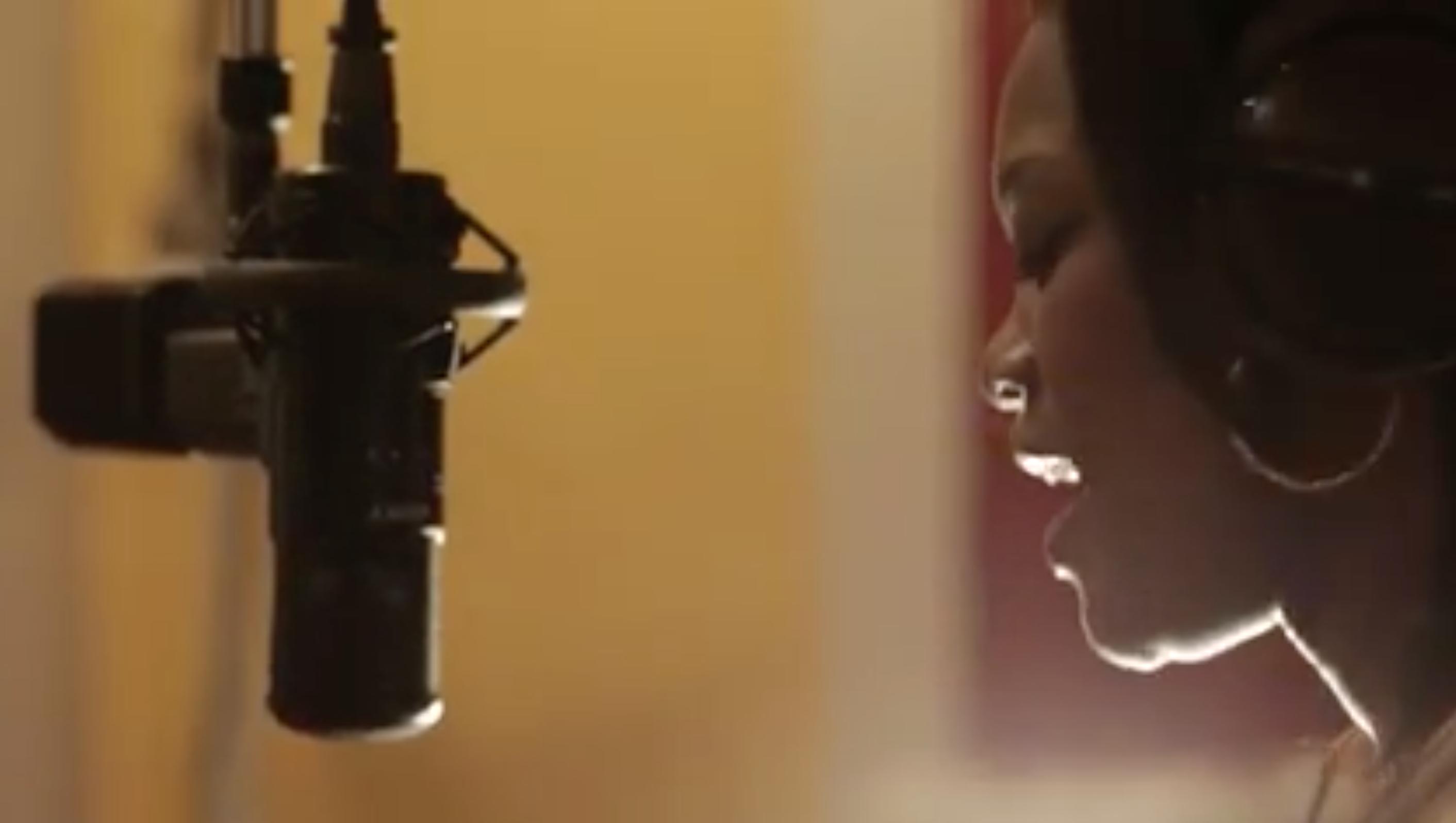 Rashelle Singing
