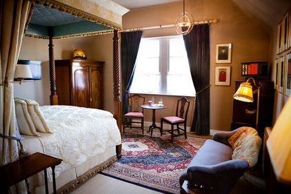 Carden family bedroom-1web.jpg