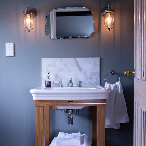 Bathroom - Thoroughbred