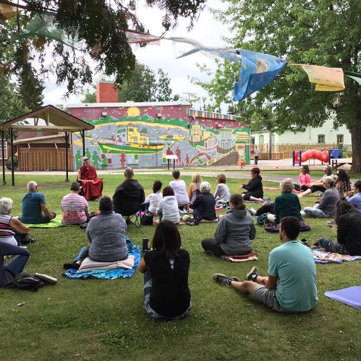 Roberval : Méditation dans le parc | Juillet : Gratuit