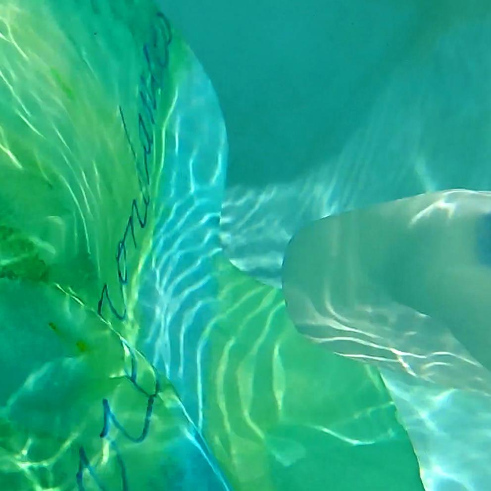 Floating Horizontals under water