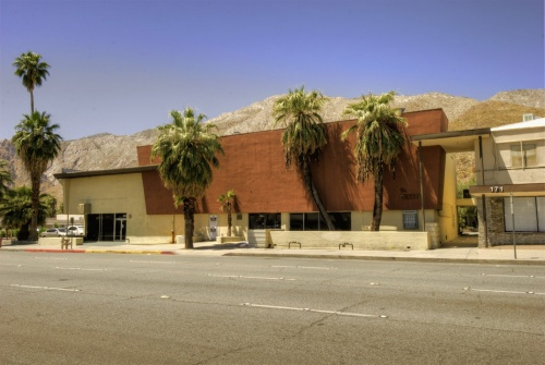 Palm_Springs_080_1_2_tonemapped_town_and_country_exterior-thumb5