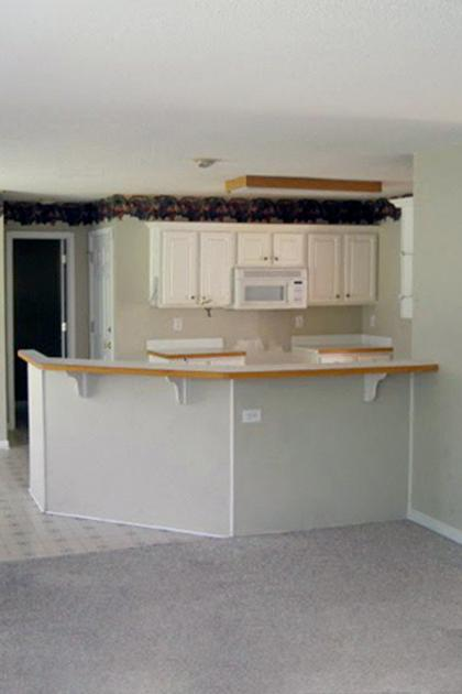 biggest-remodeling-mistakes-kitchen-before-standard_2x3_a0161ed7056217d58bac904ac500f16b_420x630_q85