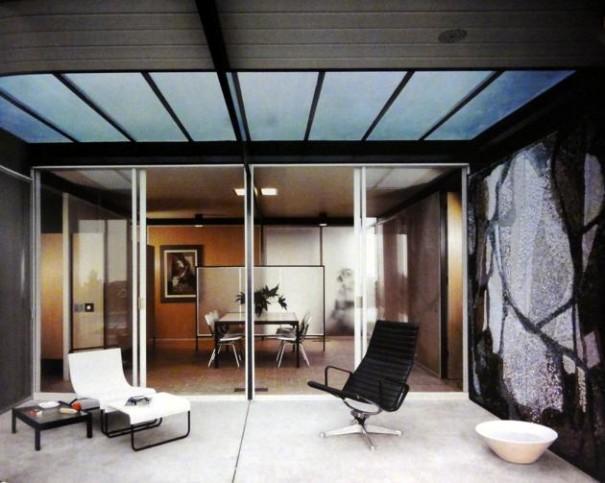 case-study-house-18-atrium-craig-ellwood-13-e1435424258790