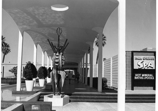 Palm Springs Spa Hotel