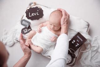Fotografie eines Neugeborenen