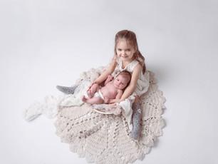 Herzensbilder mit der kleinen Eleni - Familien und Geschwisterfotos - besondere Momente Datmstadt