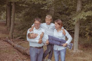 Bilder einer glücklichen Familie