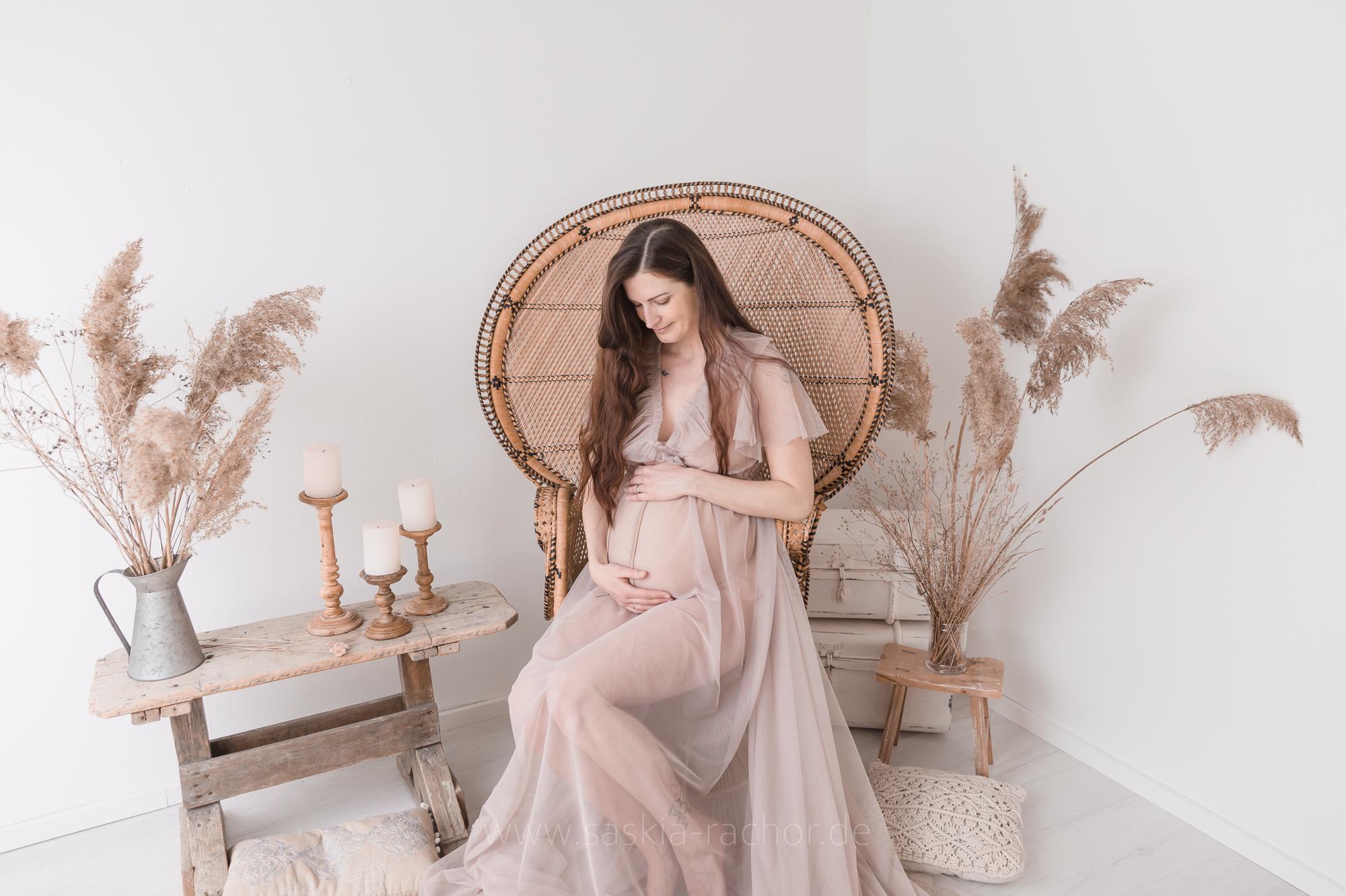 Schwangerschaftsfotos Babybauchbilder Groß-Zimmern