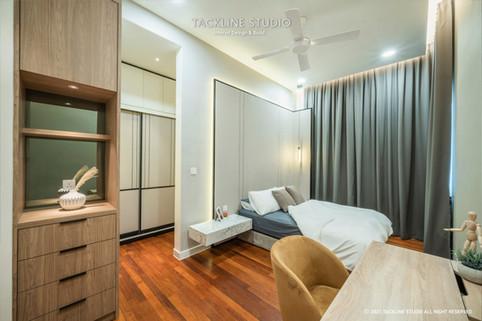 Pavilion Hilltop Mont Kiara Parent Bedroom