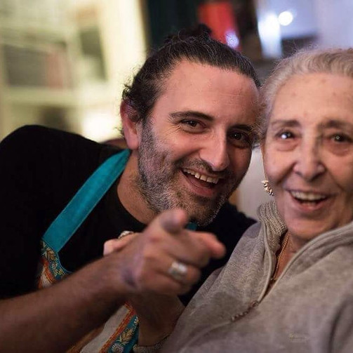 Cesare Vangeli con la mamma Leda