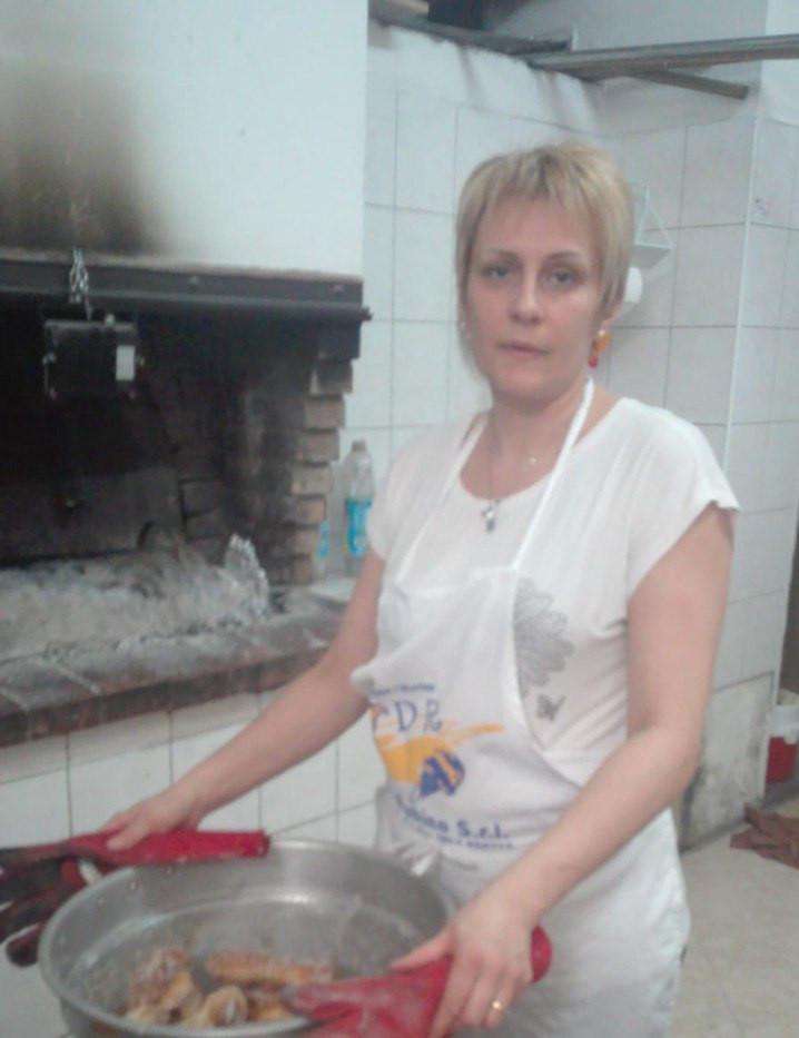Cutro, Rosaria nel forno di Totò Diletto