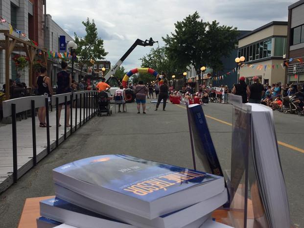 Séance de dédicaces à la Vente-trottoir - Rouyn-Noranda - Juillet 2017