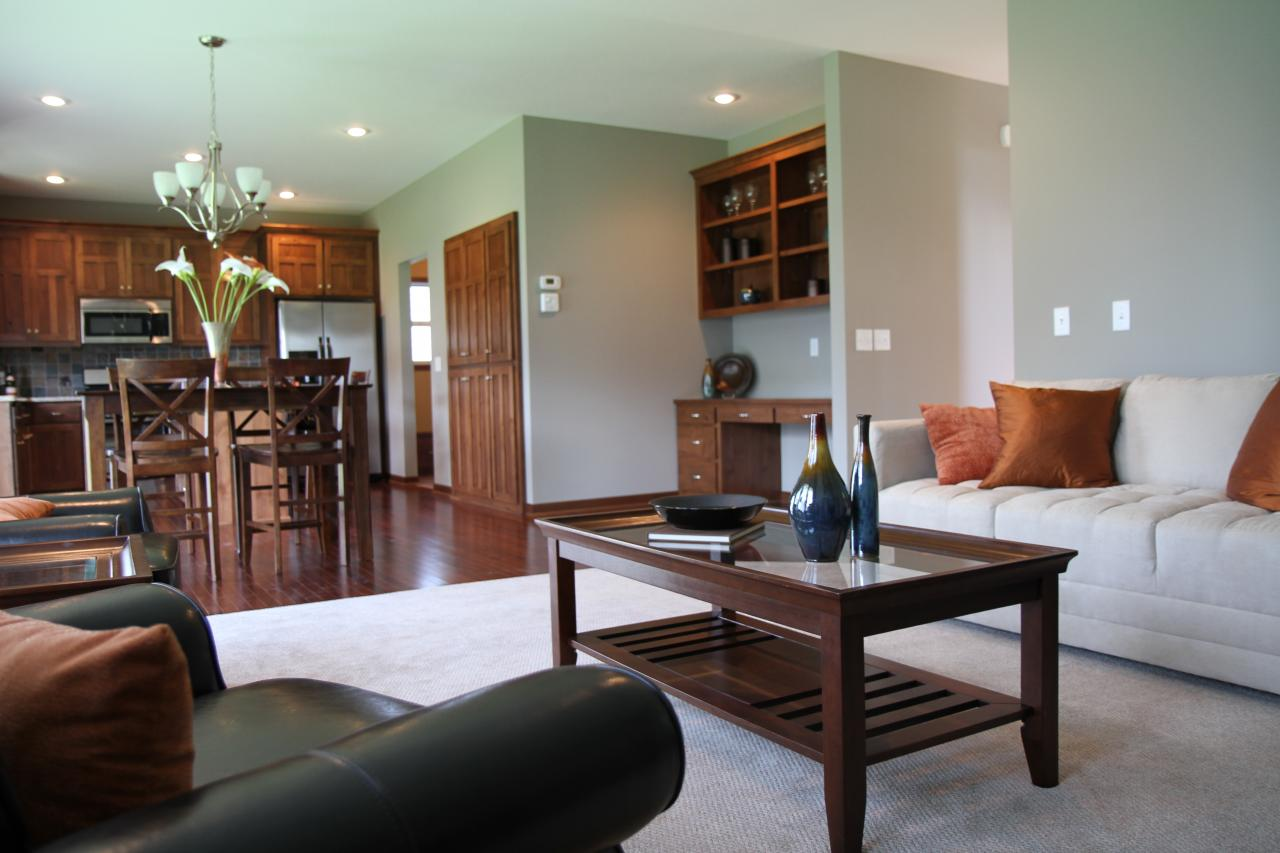 Living & Kitchen Space