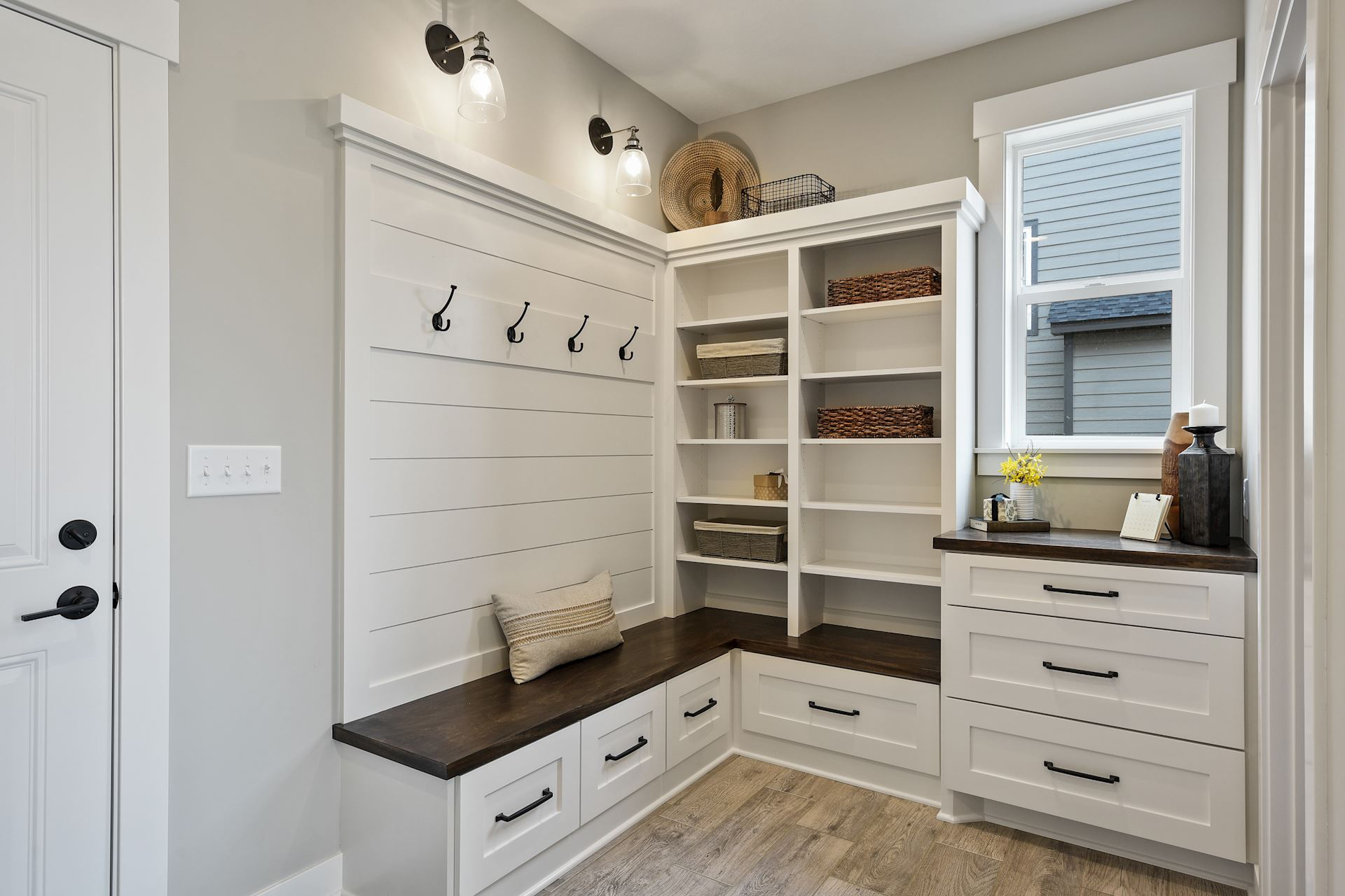 Woodale Mudroom