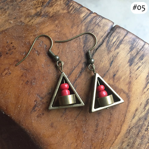 gold triangle red bead nest earring #05