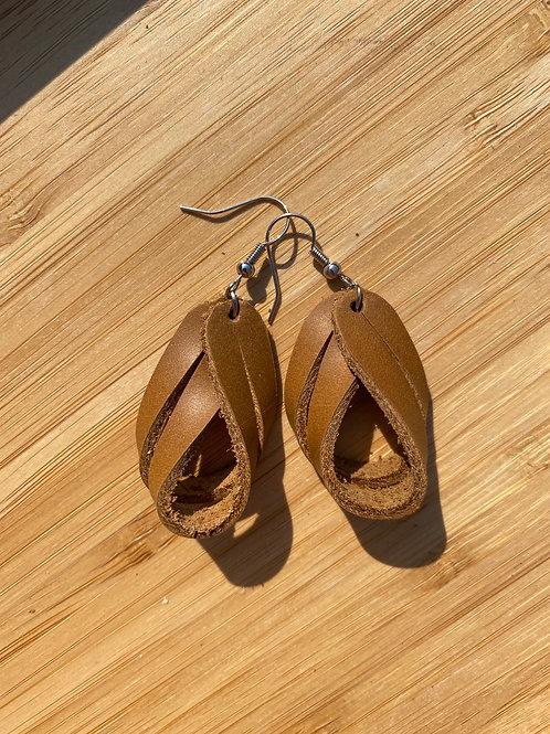 """""""Lean against the wind"""" earrings"""